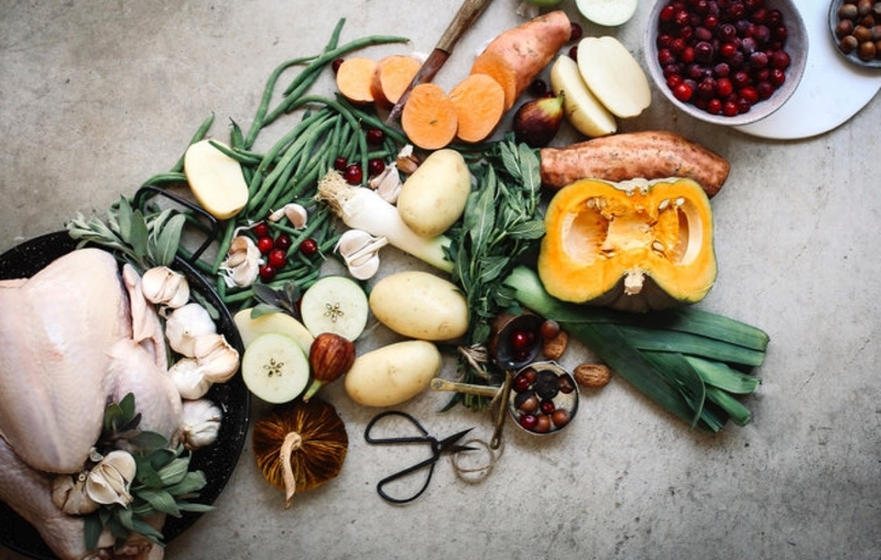 Your guide to intuitive eating these holidays