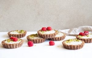 DAY 4: White Chocolate Gingerbread Tarts