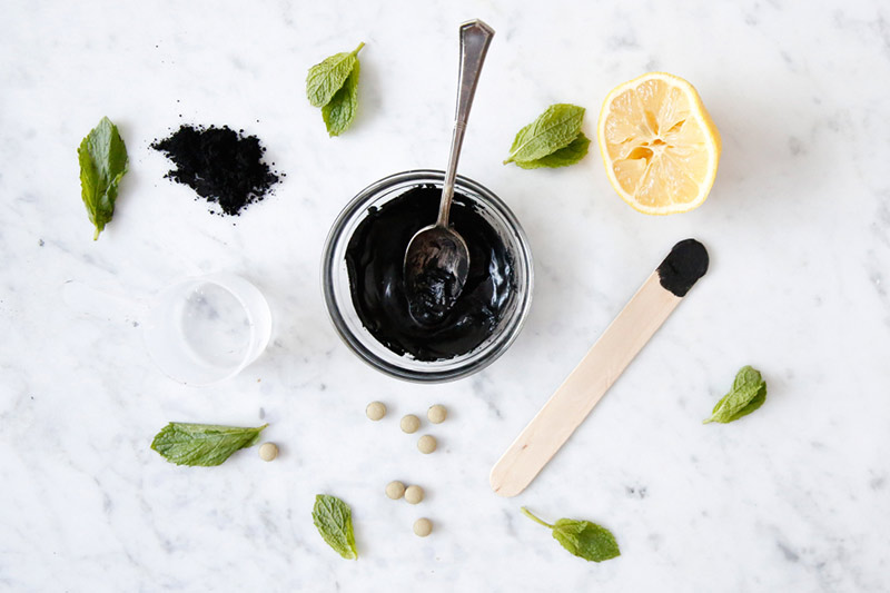 DIY DETOX CHARCOAL FACE MASK