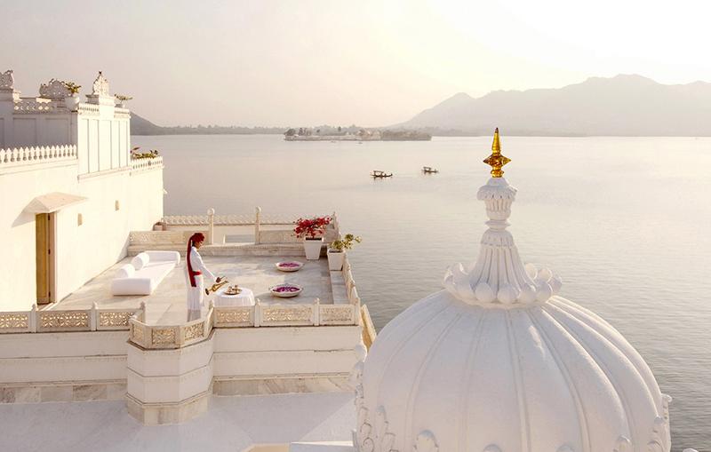 Taj-Mahal-Lake