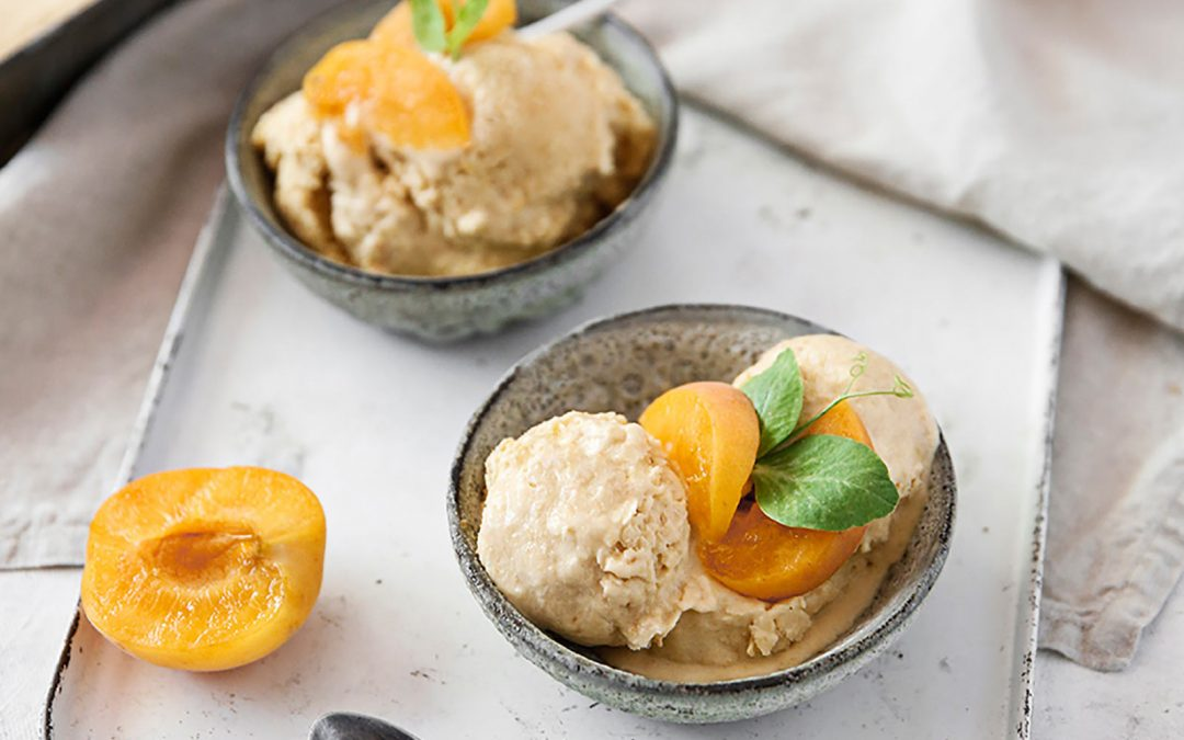 APRICOT AND VANILLA 'NICE' CREAM