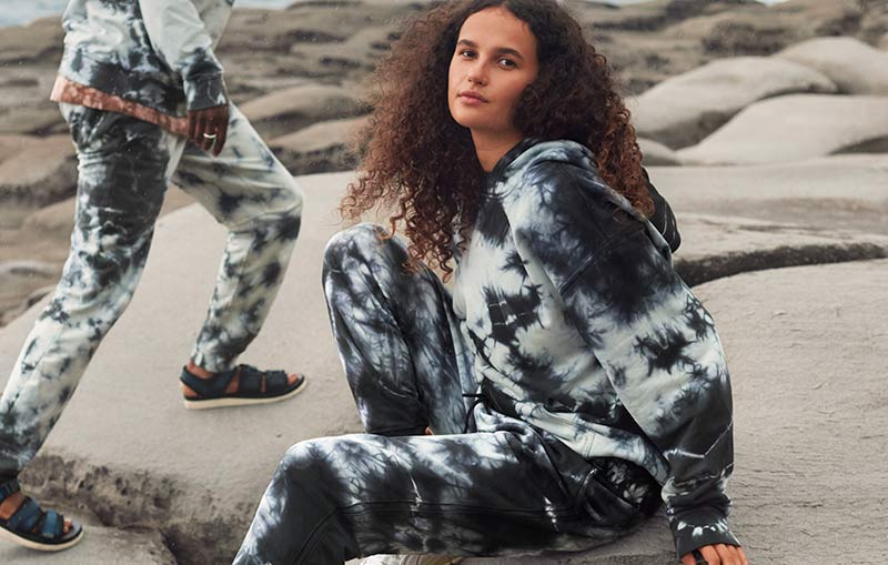 LULULEMON LAUNCHES THEIR NEW EARTH DYE COLLECTION.